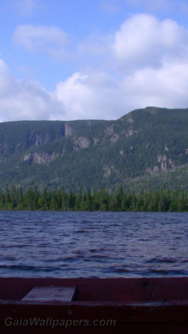 Lake on a windy day - Free desktop wallpapers