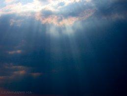 Divine sun rays desktop wallpapers