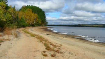 Beach at Lac Normand desktop wallpapers