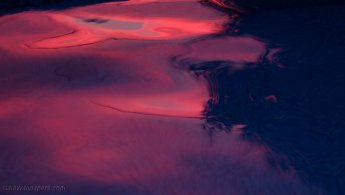 Pink sunset light in the pool desktop wallpapers