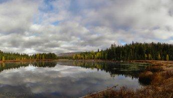 Beautiful autumn lake desktop wallpapers