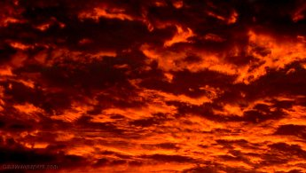 Incandescent sunset with clouds of fire desktop wallpapers